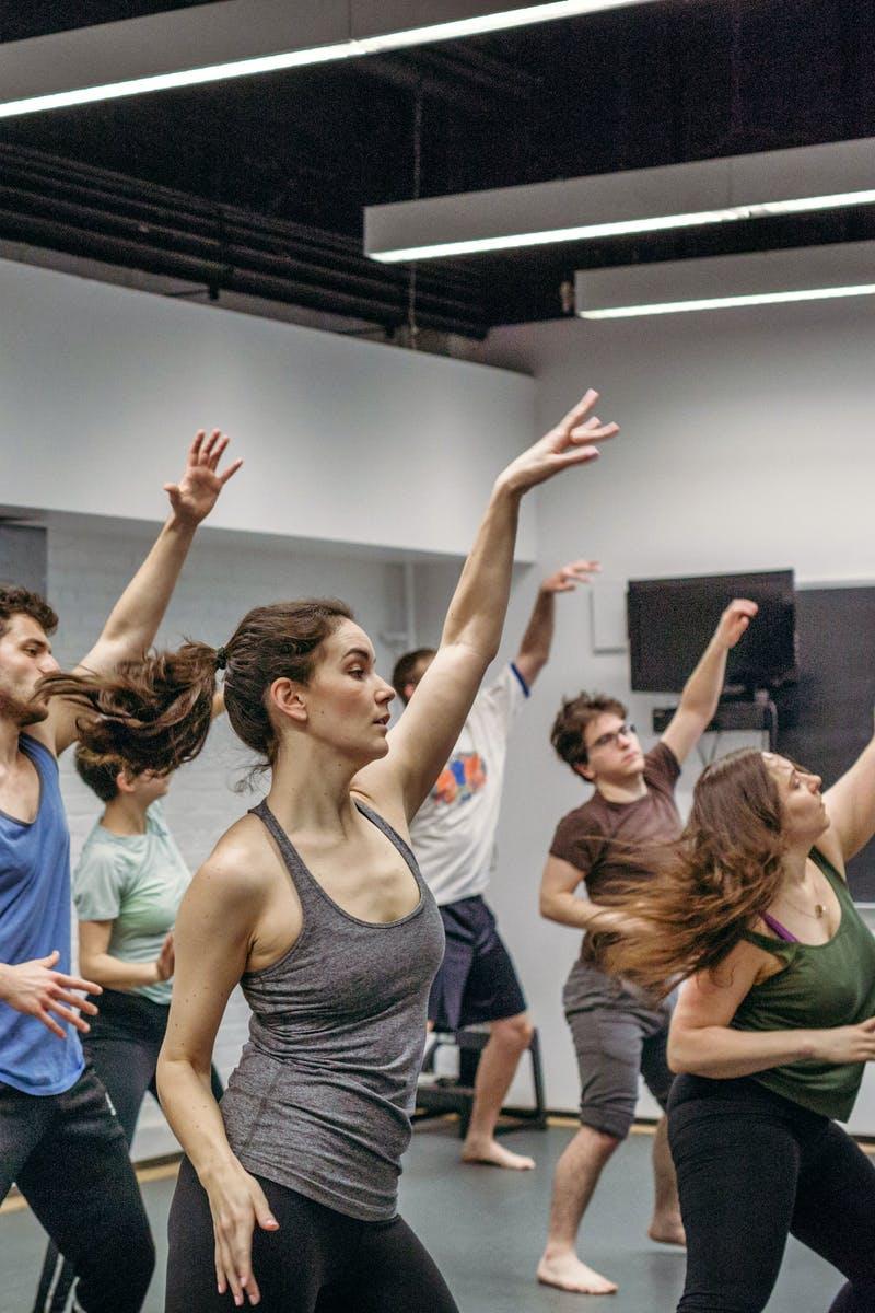 15 - Dancers