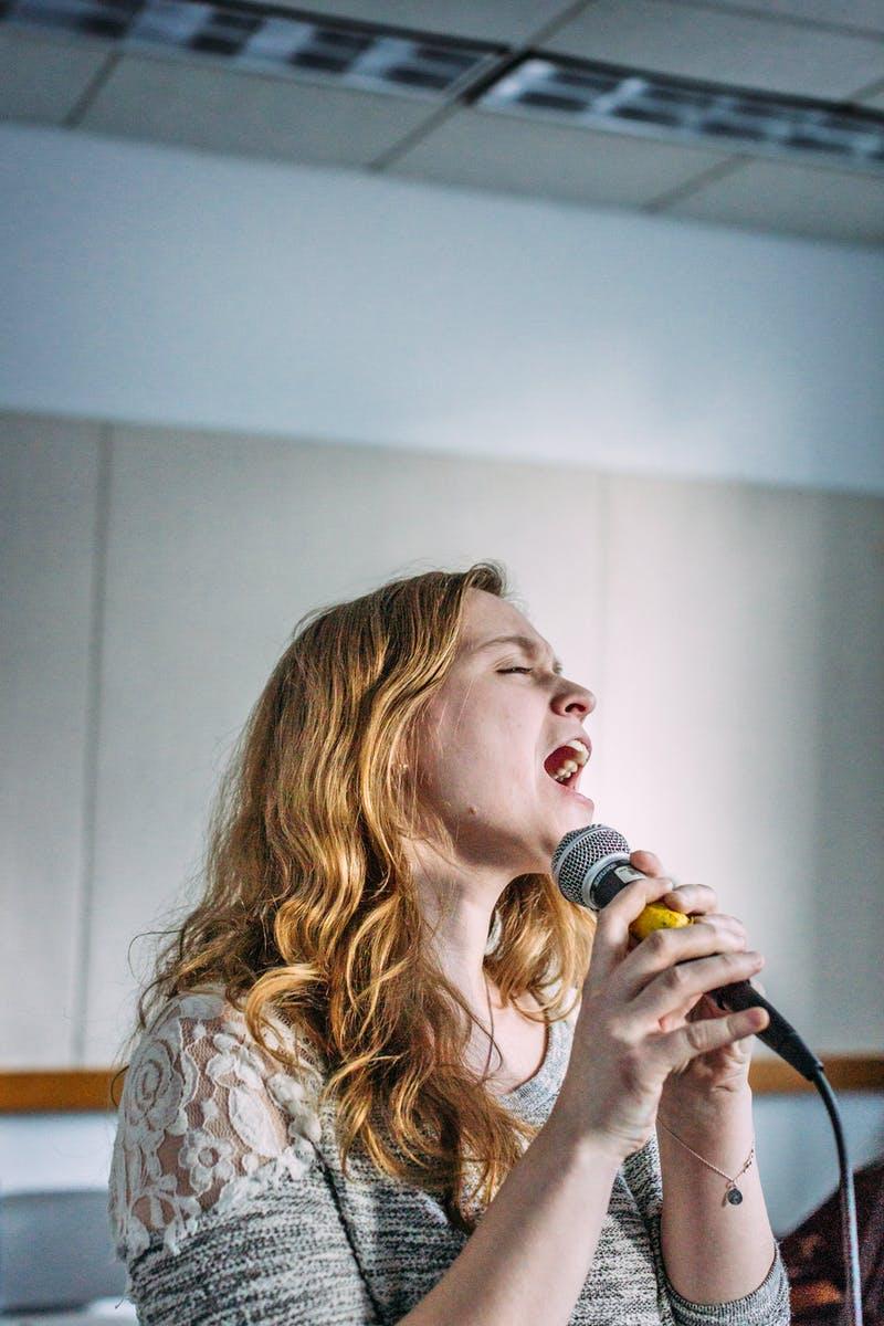 7 - Singer