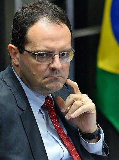 Nelson-Barbosa